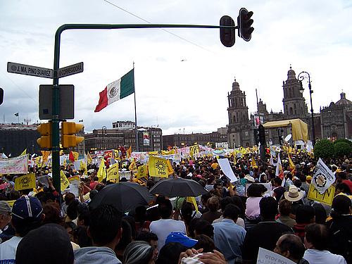 墨西哥城50天--抗议示威
