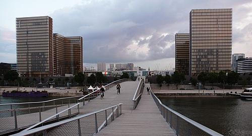 法国巴黎西蒙娜德波伏娃桥