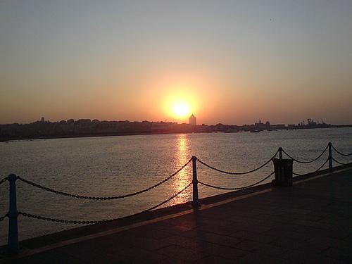 日出---栈桥