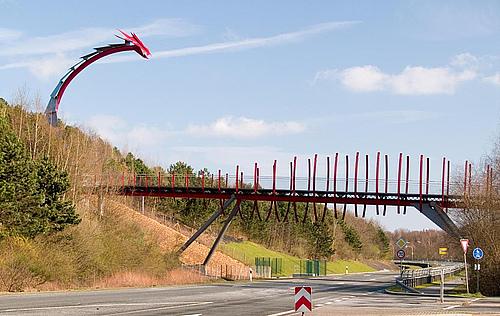 德国北威州雷克林豪森龙桥