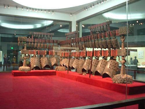 参观湖北省博物馆