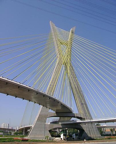 巴西圣保罗奥利韦拉大桥