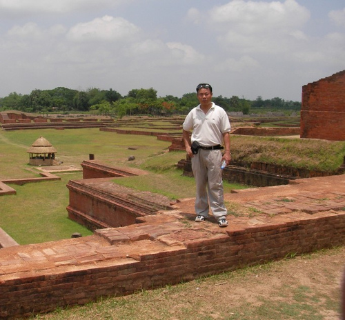 帕哈尔普尔的佛教毗诃罗遗址 《当地语音:巴哈布》