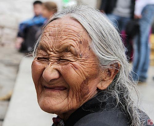 大昭寺前的表情