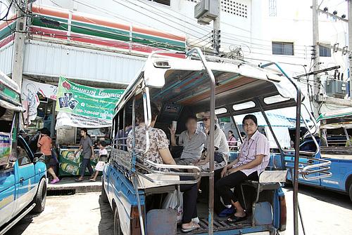 见证奇迹的Mae Khong铁道市场