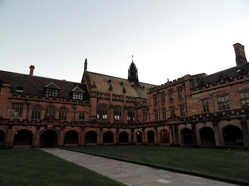 妞儿南半球游记——悉尼大学