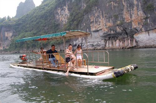 桂林竹筏游漓江