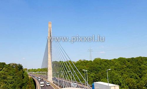 卢森堡维克多·波德逊大桥