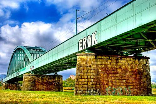 克罗地亚萨格勒布萨瓦河铁路大桥