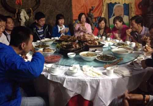铁马马背餐厅——全羊宴