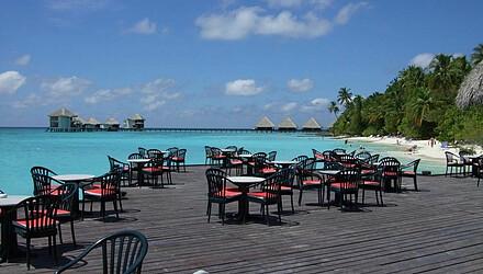 马尔代夫四晚六日自由行 夏日岛,2晚沙滩屋 2晚水屋,含三餐,美佳直飞 含税图片