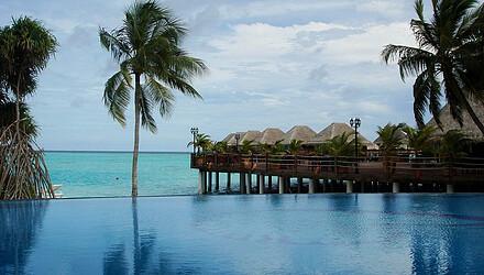 马尔代夫四晚六日游 美露丽芙岛,沙滩屋 水上屋,含早晚餐图片